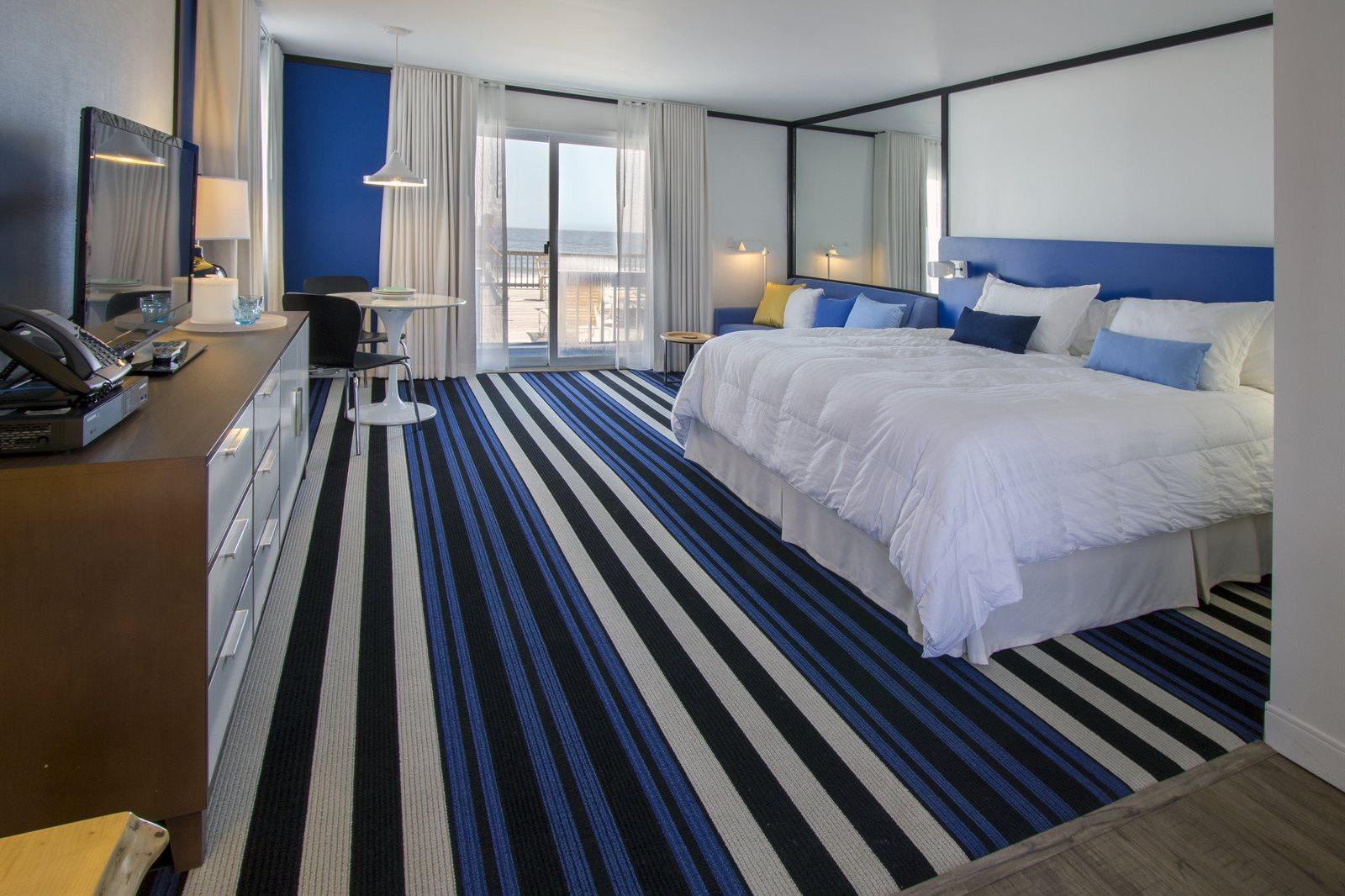 oceanfront hotel rooms in montauk ny montauk blue hotel. Black Bedroom Furniture Sets. Home Design Ideas